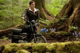 """ONCE UPON A TIME - """"Hyperion Heights"""" - As """"Once Upon a Time"""" returns to ABC for its seventh season, FRIDAY, OCTOBER 6 (8:00-9:00 p.m. EDT), on the ABC Television Network, the residents of the enchanted forest face their greatest challenge yet as the Evil Queen, Captain Hook and Rumpelstiltskin join forces with a grown-up Henry Mills and his daughter Lucy on an epic quest to bring hope to their world and ours. (ABC/Eike Schroter) ANDREW J. WEST"""
