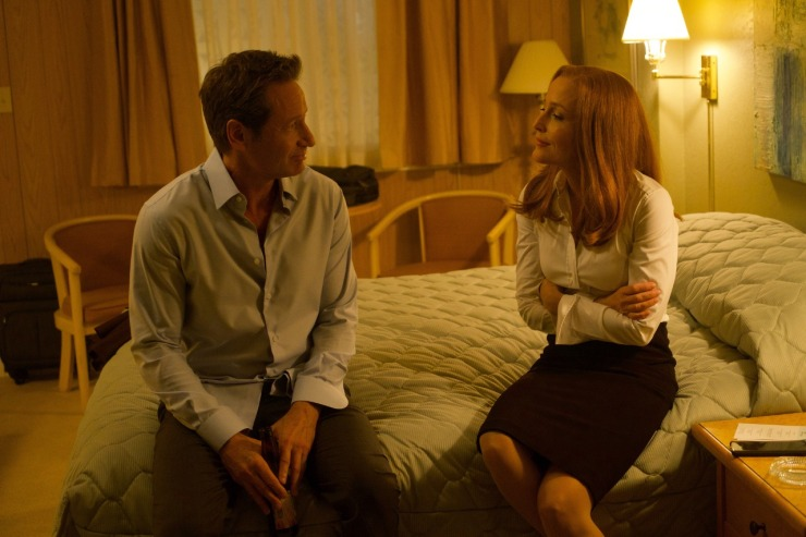 """The X-Files """"Plus One."""" Gillian Anderson as Dana Scully and David Duchovny as Fox Mulder. Photo: FOX"""