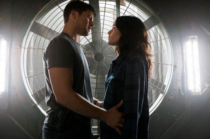 "TIMELESS -- ""Hollywoodland"" Episode 203 -- Pictured: (l-r) Matt Lanter as Wyatt Logan, Abigail Spencer as Lucy Preston -- (Photo by: Justin Lubin/NBC)"