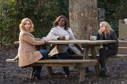 "GOOD GIRLS -- ""Summer Of The Shark"" Episode 109 -- Pictured: (l-r) Christina Hendricks as Beth Boland, Retta as Ruby Hill, Mae Whitman as Annie Marks -- (Photo by: Steve Dietl/NBC)"